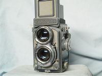 Yashica 44 Vintage TLR Camera - Nice - Working -